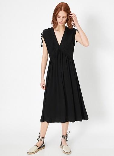 Koton Koton Dantel Detaylı V Yaka Siyah Elbise Siyah